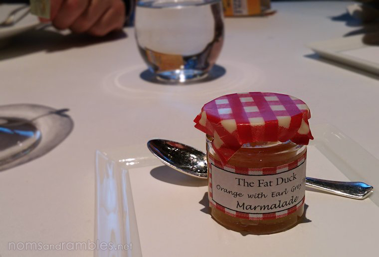 Marmalade with edible lid